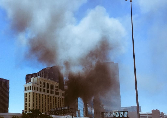 Fire at the Cosmopolitan on July 25, 2015. (Michael Lyle/Las Vegas Review-Journal)