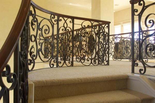 Decorative iron and steel making a comeback in home designLas