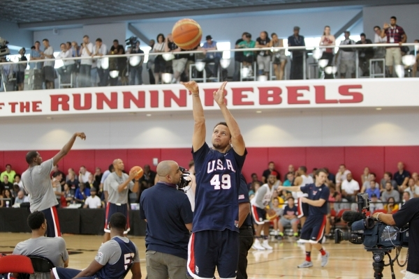 USA Basketball Men's National Team player Stephen Curry takes a shot during a mini-camp practice at the Mendenhall Center on the UNLV campus in Las Vegas Tuesday, August 11, 2015. ERIK VERDU ...