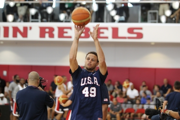 USA Basketball Men's National Team player Stephen Curry takes a shot during a mini-camp practice at the Mendenhall Center on the UNLV campus in Las Vegas Tuesday, August 11, 2015. ERIK VERDUZCO/ ...