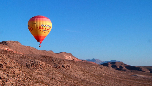 After a devastating fire that burned most of their gear, Vegas Balloon Rides gets back in the air 10 days later for a flight over the west Las Vegas valley on  Friday, August 28, 2015. (Michael Qu ...