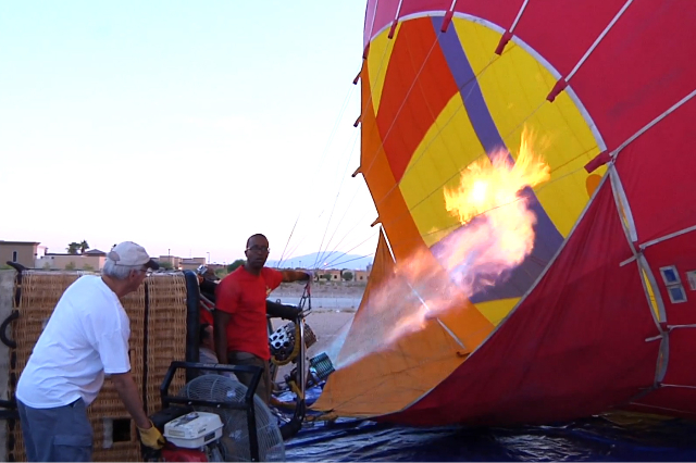 After a devastating fire that burned most of their gear, Vegas Balloon Rides managed to gather gear from its parent company and get back in the air 10 days later. (Michael Quine/Las Vegas Review-J ...