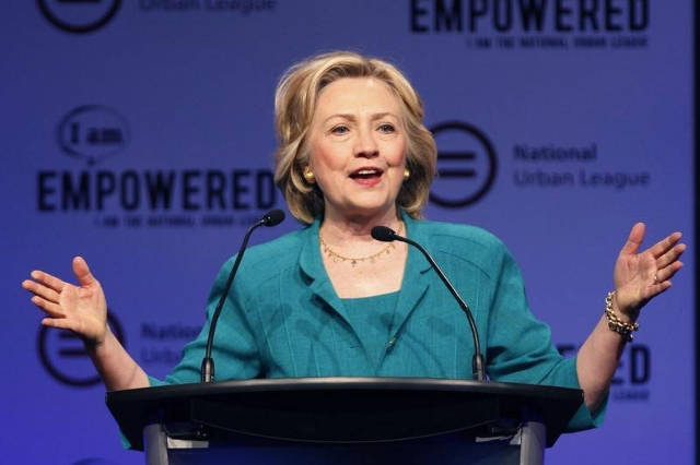 Democratic presidential candidate Hillary Clinton speaks at the National Urban League's conference in Fort Lauderdale, Florida, July 31,2015. (Andrew Innerarity/Reuters)