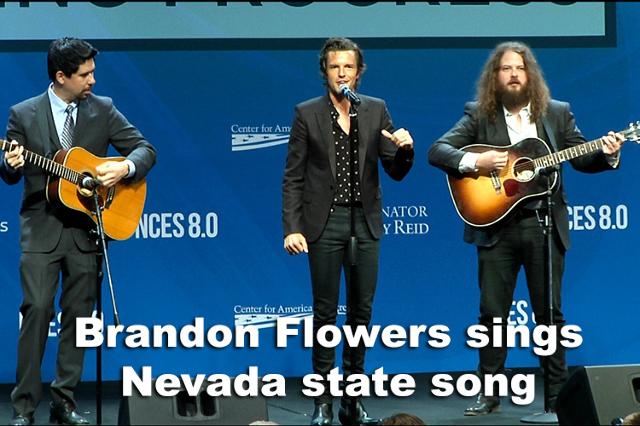 Brandon Flowers sings Nevada state song (Michael Quine/Las Vegas Review-Journal)