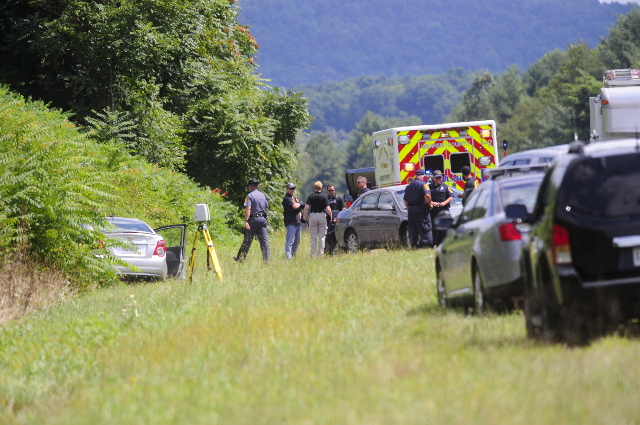 The car of suspected gunman Vester L. Flanagan, also known as Bryce Williams, is seen off Highway I-66 in Fauquier County, Virginia August 26, 2015.  REUTERS/David Manning