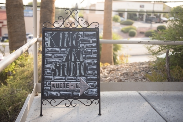 Hand drawn signage for The King Art Studio is shown in Henderson, Wednesday, Aug. 19, 2015. (Jason Ogulnik/Las Vegas Review-Journal)