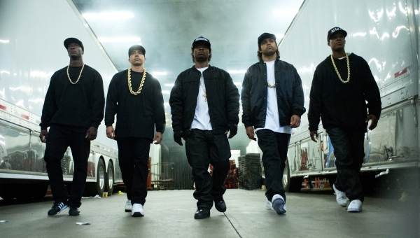 "(L to R) MC Ren (ALDIS HODGE), DJ Yella (NEIL BROWN, JR.), Eazy-E (JASON MITCHELL), Ice Cube (O'SHEA JACKSON, JR.) and Dr. Dre (COREY HAWKINS) in ""Straight Outta Compton"". Photo Cr ..."
