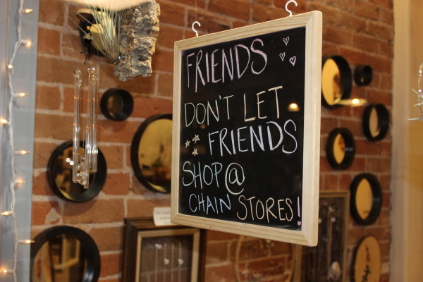 A sign in one of the many boutiques around Courthouse Plaza. Jim Wright/Las Vegas Review-Journal