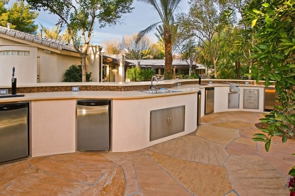 Designs for outdoor kitchens vary. COURTESY PHOTOS
