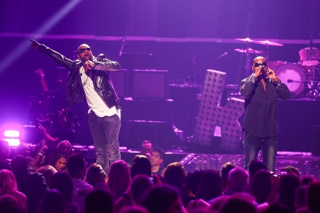 Shaggy, left, performs during the iHeartRadio Music Festival at the MGM Grand Garden Arena in Las Vegas on Friday, Sept. 18, 2015. (Chase Stevens/Las Vegas Review-Journal) Follow @csstevensphoto