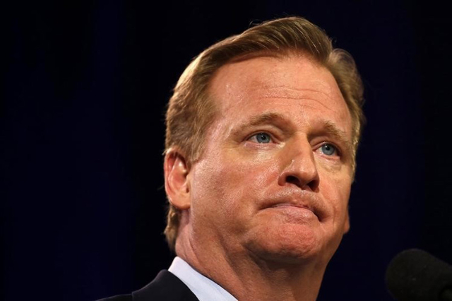 NFL Commissioner Roger Goodell speaks to the media before Super Bowl XLIX in Phoenix, Arizona January 30, 2015. (Lucy Nicholson/Reuters)