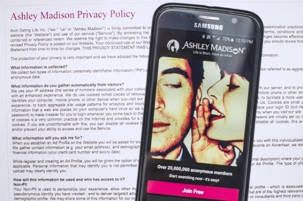 Pastor exposed in Ashley Madison hack commits suicide | Las