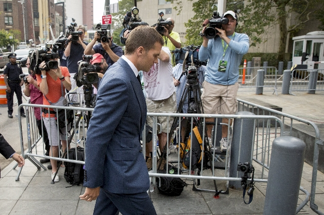 New England Patriots' quarterback Tom Brady arrives at the Manhattan Federal Courthouse in New York August 31, 2015.  REUTERS/Brendan McDermid