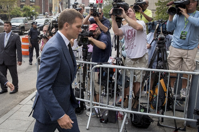 New England Patriots' quarterback Tom Brady arrives at the Manhattan Federal Courthouse in New York August 31, 2015. Brady and NFL Commissioner Roger Goodell are due in a Manhattan federal c ...