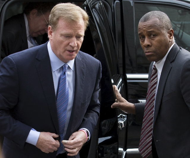 NFL Commissioner Roger Goodell (L) arrives at the Manhattan Federal Courthouse in New York August 31, 2015. New England Patriots' quarterback Tom Brady and Goodell are due in a Manhattan fed ...