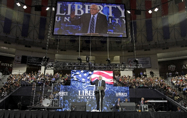U.S. Democratic presidential candidate Sen. Bernie Sanders (I-VT) delivers an address to Liberty University students at the school in Lynchburg, Virginia, September 14, 2015. REUTERS/Jay Paul