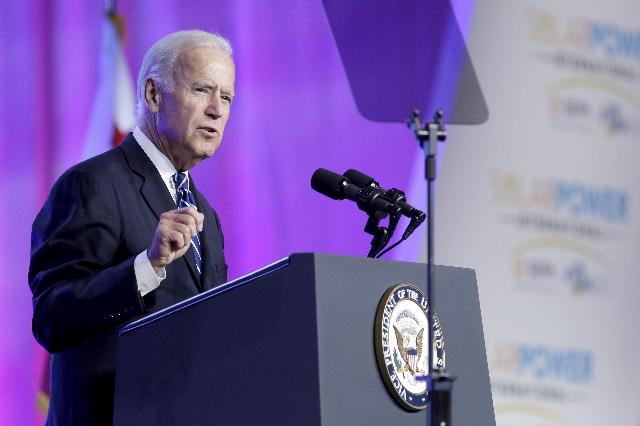 Vice President Joe Biden speaks at the Solar Power International trade show in Anaheim, California September 16, 2015.   REUTERS/Jonathan Alcorn