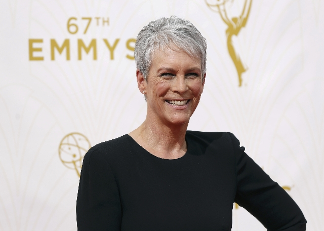 Actress Jamie Lee Curtis arrives at the 67th Primetime Emmy Awards in Los Angeles, California September 20, 2015.  REUTERS/Mario Anzuoni