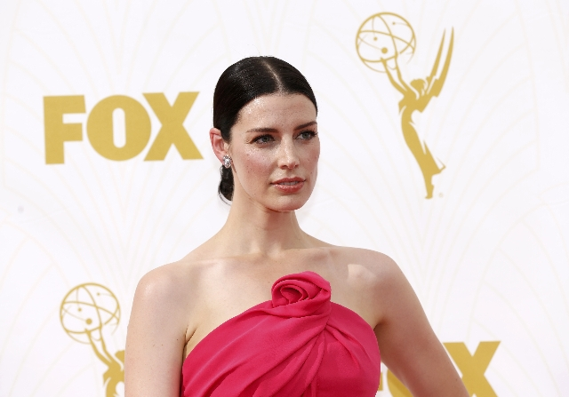 Actress Jessica Pare arrives at the 67th Primetime Emmy Awards in Los Angeles, California September 20, 2015. (Mario Anzuoni/Reuters)