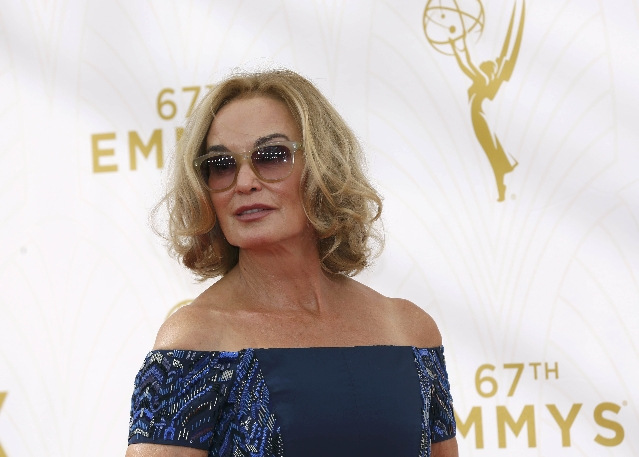 Actress Jessica Lange arrives at the 67th Primetime Emmy Awards in Los Angeles, California September 20, 2015.  REUTERS/Mario Anzuoni