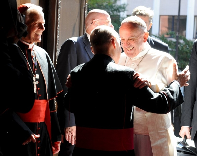 Pope Francis holds a prayer meeting with the U.S. bishops at Saint Matthew'€™s Cathedral in Washington, September 23, 2015. REUTERS/Mary F. Calvert