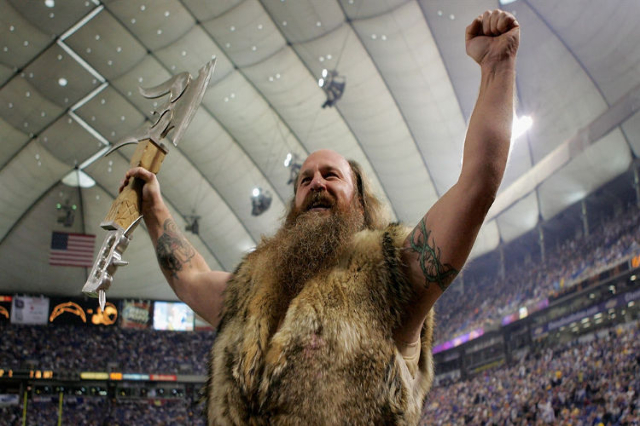 Minnesota Vikings Mascot Ragnar Holding Out For 20 000 A