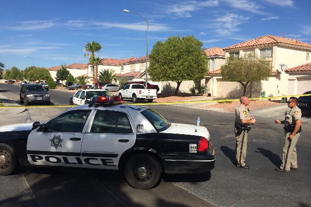 Las Vegas police say a man died of a self-inflicted gunshot wound during a barricade situation in south Las Vegas on Monday, Sept. 21, 2015. (Bizuayehu Tesfaye/Las Vegas Review-Journal Follow @biz ...