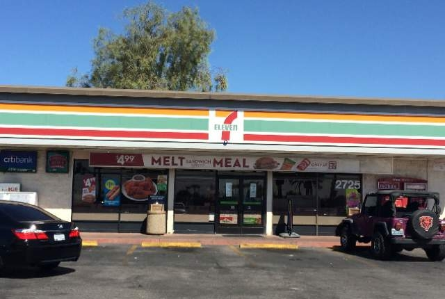 A man was shot and killed in the parking lot of a 7-Eleven store in the 2700 block of Las Vegas Boulevard North in North Las Vegas early Monday, Aug. 31, 2015. (Bizuayehu Tesfaye/Las Vegas Review- ...