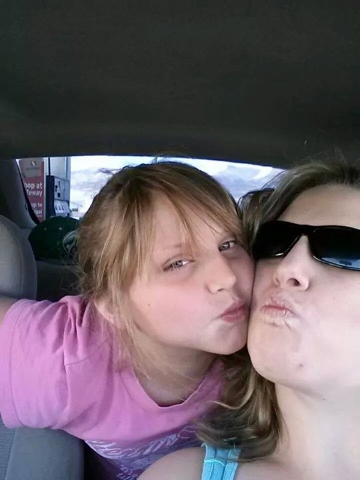 "Tania Grogan, right, with her daughter, Isabella ""Bella"" Grogan Cannella (Facebook)"
