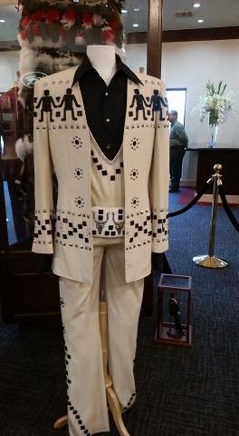 Preview night of Wayne Newton's Casa de Shenandoah. (Lisa Valentine/Las Vegas Review-Journal)