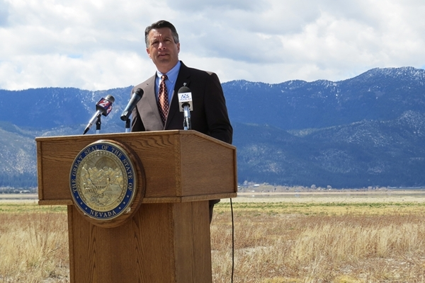 Gov. Brian Sandoval holds a news conference in Washoe Lake State Park on Wednesday, April 8, 2015, to sign an executive order establishing the Nevada Drought Forum. (Sandra Chereb/Las Vegas Review ...