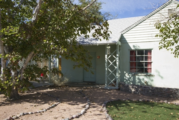 This early-1940s Huntridge cottage is in the Huntridge district. Preservationists hope to get the neighborhood recognized on the National Register of Historic Places. Susan Bouet/RJRealEstate.Vegas