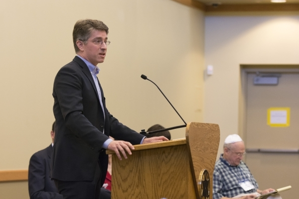 Co-director of the immigration clinic at UNLV's law school Michael Kagan speaks during a panel discussion of the Syrian refugee crisis at Temple Sinai in Las Vegas Sunday, Oct. 11, 2015. Jas ...