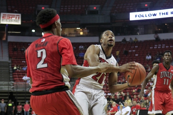 UNLV guard Jerome Seagears drives to the basket during the annual Scarlet and Gray scrimmage Thursday, Oct. 16, 2014 at the Thomas & Mack Center. (Sam Morris/Las Vegas Review-Journal)