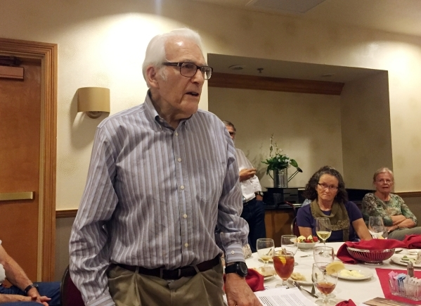 Retired University of Nevada, Reno Geoscience Professor Emeritus D. Burt Slemmons, 92, speaks Tuesday, Oct. 15, 2015, to the Southern Nevada Section Association of Environmental Engineering Geolog ...