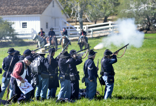 "Union troops fire on Confederates during ""Civil War Days in the Battle Born State"" at Spring Mountain Ranch State Parkon Saturday, Oct. 24, 2015. (Bill Hughes/Las Vegas Review-Journal)"