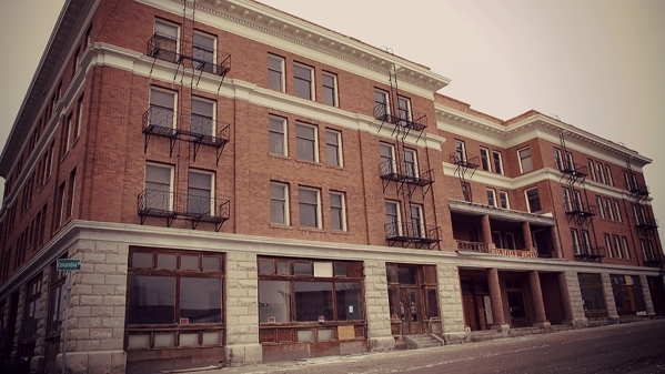 The abandoned Goldfield Hotel (Courtesy Travel Channel)