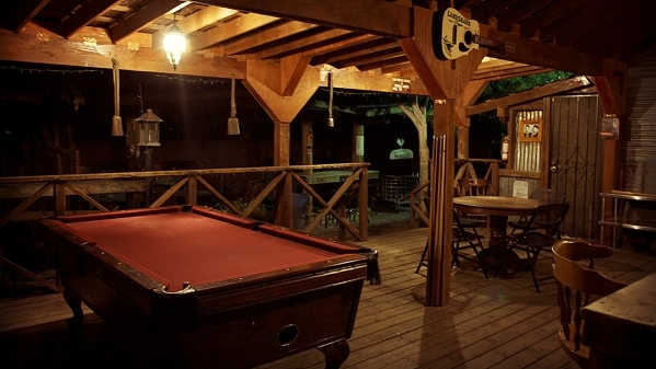 The pool table at the Pioneer Saloon (Courtesy Travel Channel)