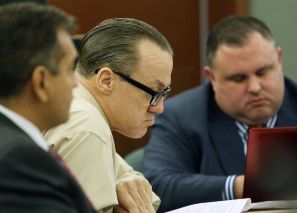 Will Sitton, center, appears before Judge Doug Smith for closing arguments Friday, Oct. 23, 2015, in Las Vegas. Lawyers Chris Oram, left, and James Oronoz, sit nearby. Sitton and Jacquie Schafer ( ...