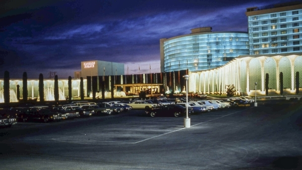 Caesars Palace Renovating 50 Year Old Tower At Cost Of 75 Million Las Vegas Review Journal