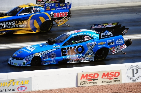 Dragsters Funny Cars Take The Stage Photos Las Vegas
