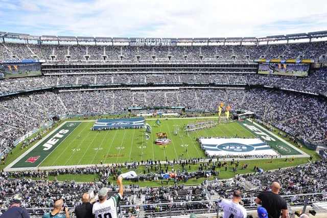 Sep 27, 2015; East Rutherford, NJ, USA; A general view prior to a game between the New York Jets and the Philadelphia Eagles at MetLife Stadium. The Philadelphia Eagles defeated the New York Jets  ...
