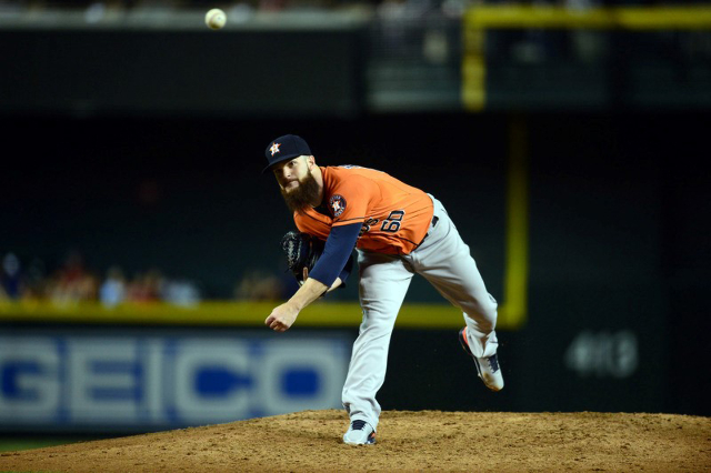 Oct 2, 2015; Phoenix, AZ, USA; Houston Astros starting pitcher Dallas Keuchel (60) pitches during the sixth inning against the Arizona Diamondbacks at Chase Field. (Joe Camporeale/USA Today Sports)