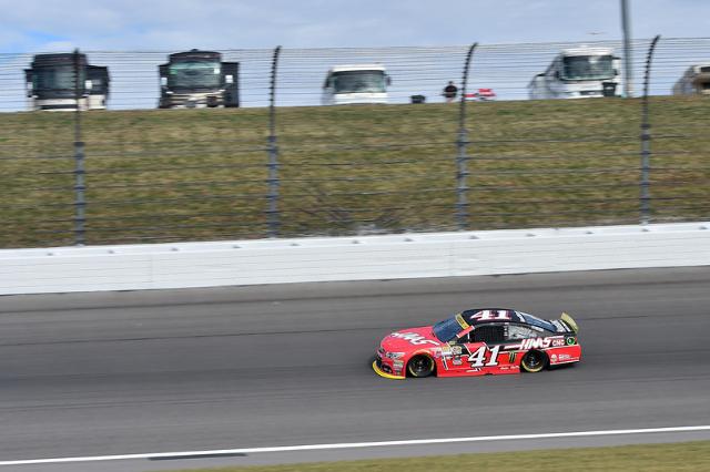 Oct 17, 2015; Kansas City, KS, USA; NASCAR Sprint Cup Series