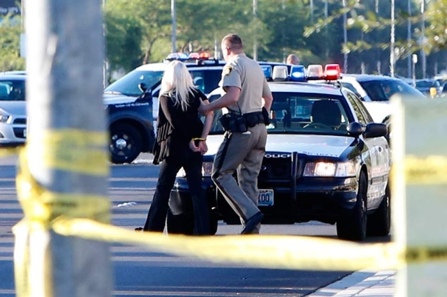 Maryland Parkway was closed in both directions between Richmar and Gary avenues after a man was struck and killed Wednesday morning. (Michael Quine/Las Vegas Review-Journal)