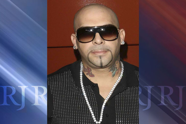 A year after a high-profile FBI raid on the Las Vegas home and escort service of hip-hop producer Mally Mall, federal prosecutors have sent target letters to some of his employees in a growing inv ...