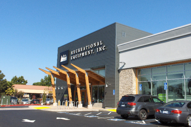 REI Closing Stores On Black Friday (CBS Philly/Inform)