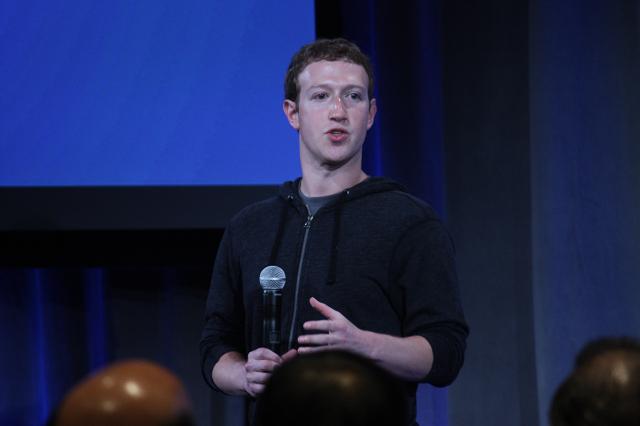 Mark Zuckerberg announces Facebook's Home at an event at their headquarters on April 4, 2013. (CNN)