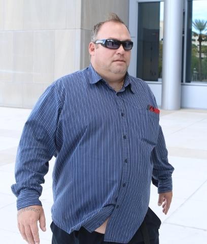 Mark Bausch arrives at the Lloyd George U.S. Courthouse in downtown Las Vegas Thursday, Oct. 29, 2015. Bizuayehu Tesfaye/Las Vegas Review-Journal Follow @bizutesfaye