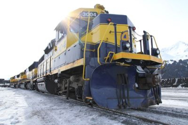 "Destination America is celebrating Thanksgiving with ""Railroad Alaska: Real Time Train Ride."" The five-hour special will cover the journey across Alaska's 500-mile long railroad. ( ..."